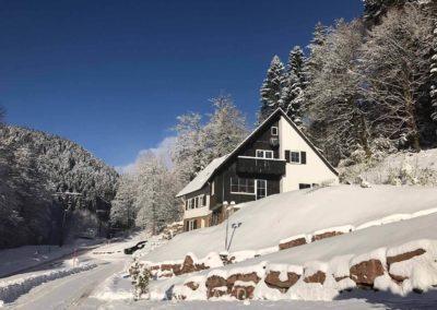 Das Schwarzwald-Haus Lohmühle im Winter
