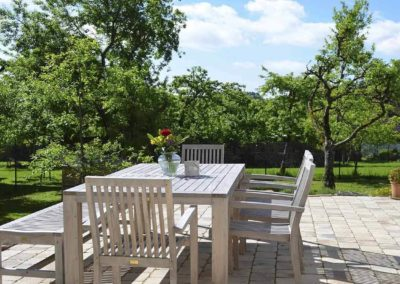 Chalet Lindenbuch: Der Essplatz auf der sonnigen Terrasse