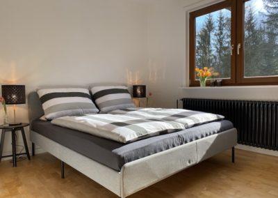 Schwarzwald Ferienhaus Busems Bad Peterstal Griesbach Schlafzimmer Bett mit Ausblick